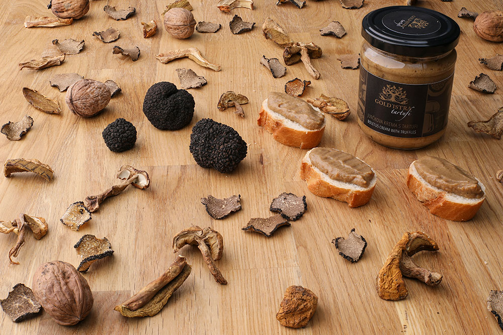 boletus cream with white truffles